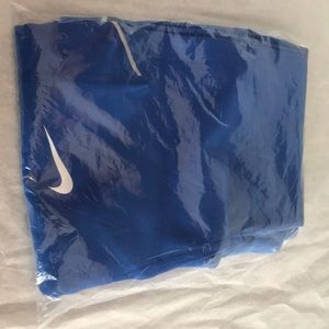 New Women's Nike blue capris tights size large